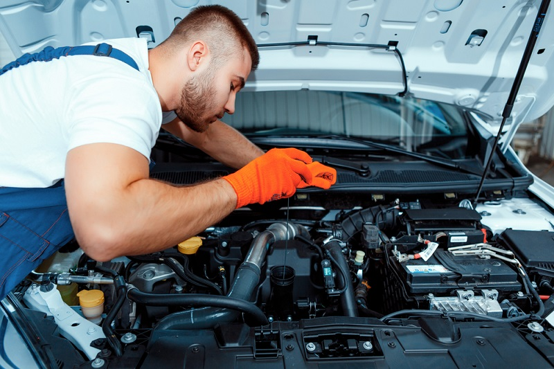 Hyundai service professionals are trained and have experienced working with Hyundai vehicles, so for your Hyundai vehicles there cannot be a better person for the job.