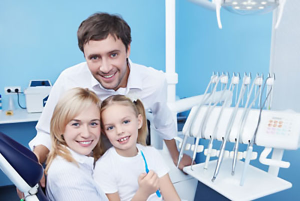 What Are The Benefits Of A Family Dentist?