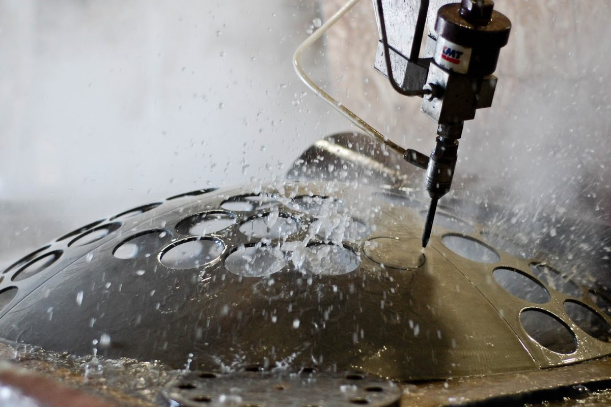 A Complete Guide To Find the Best Water Jet Cutting Services