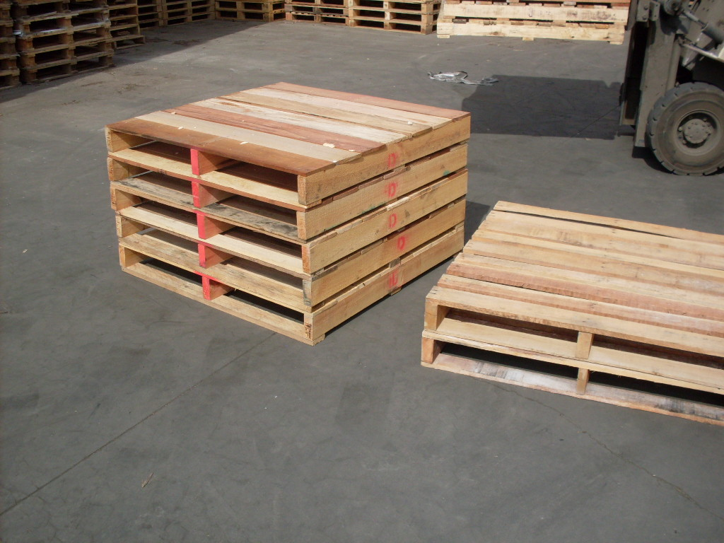 Pine Wood Pallet Versus Hardwood Pallet: Which One To Choose