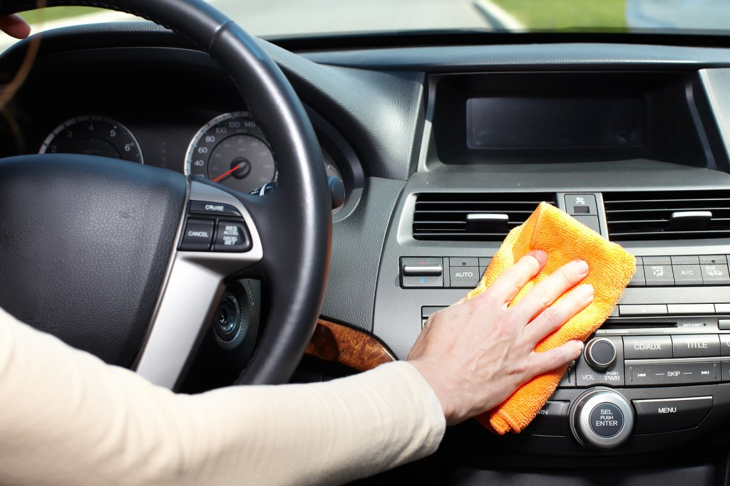 Read this article to understand the various kinds of car wax and their benefits before making a car waxing decision!