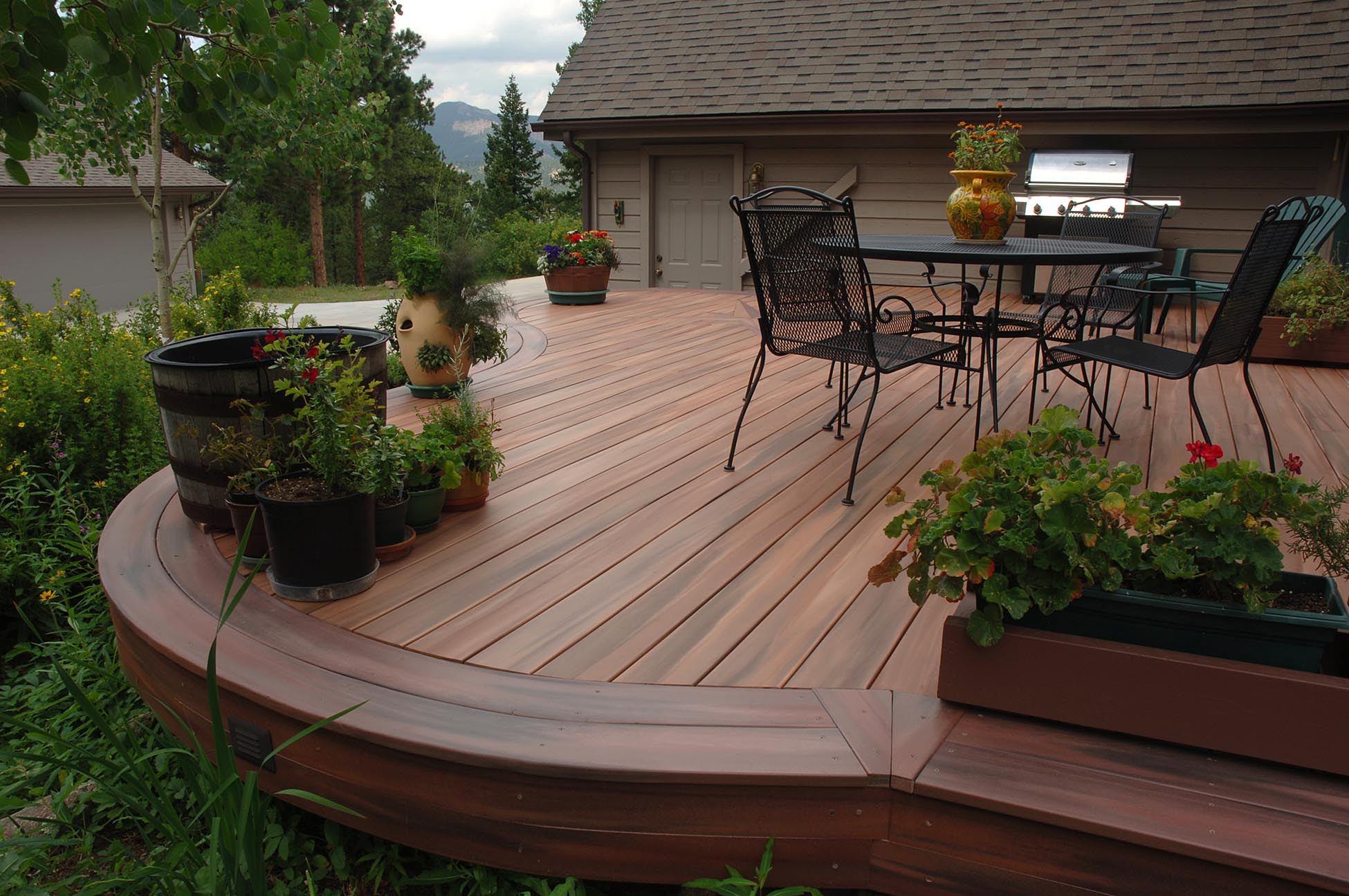 4 Cost Factors Governing The Composite Decking Price In Sydney