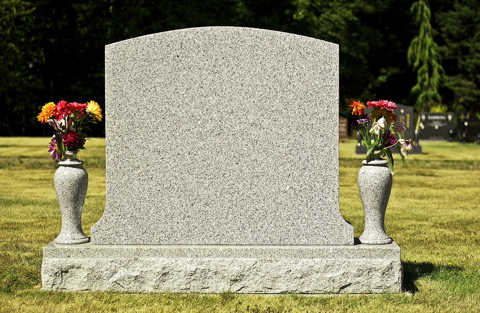 How To Choose A Suitable Tombstone Headstone