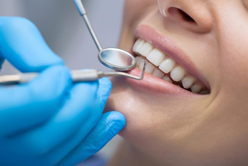 Best 5 ways to keep your dental health intact