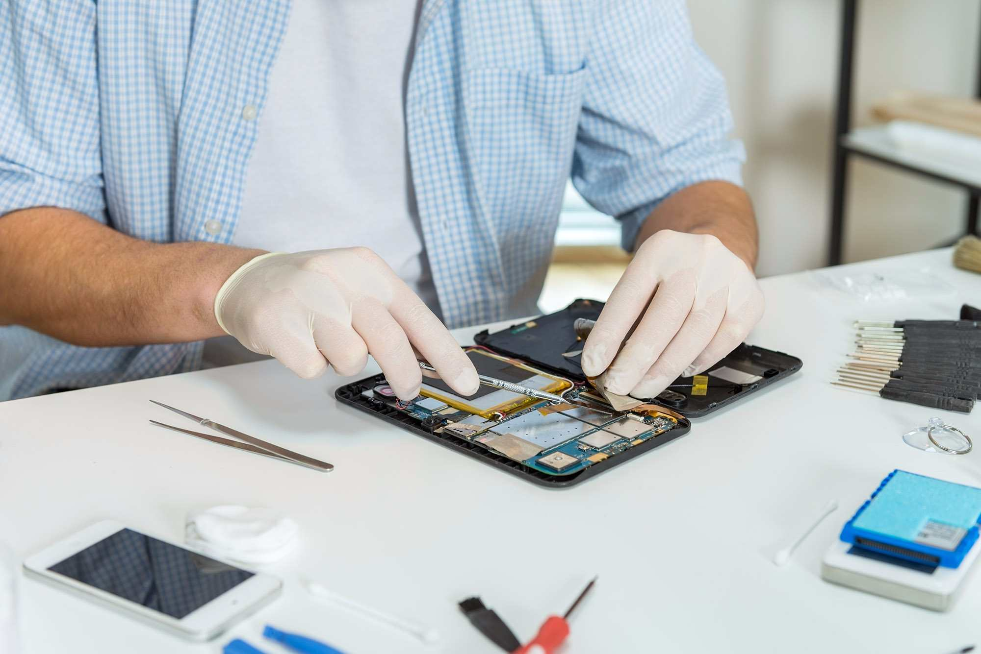 Avoid Multi-Touch Issues With IPhone Screen Repair In Parramatta After Getting Help From Authorised Service Providers