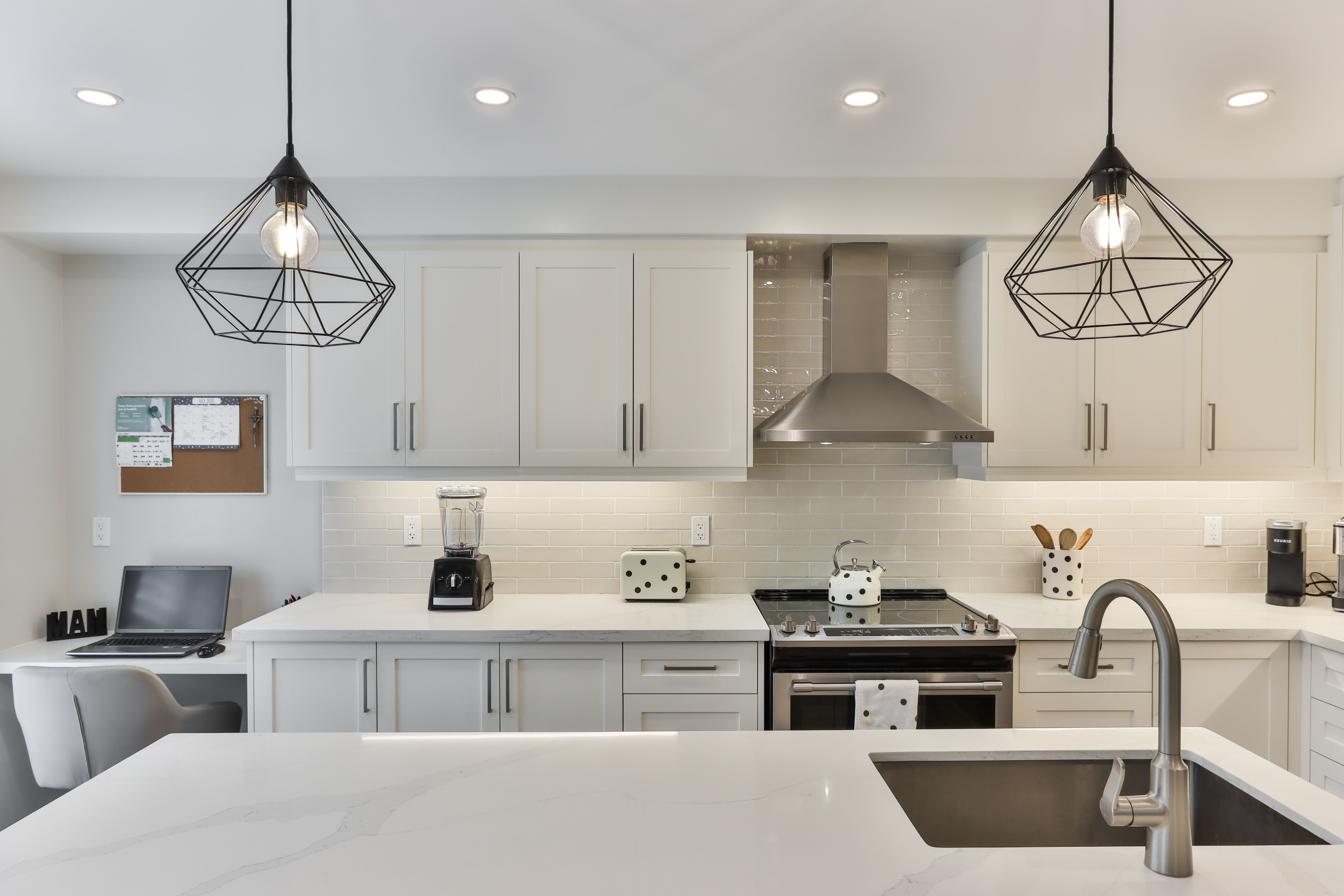 Why are white subway tiles for the kitchen a good option?